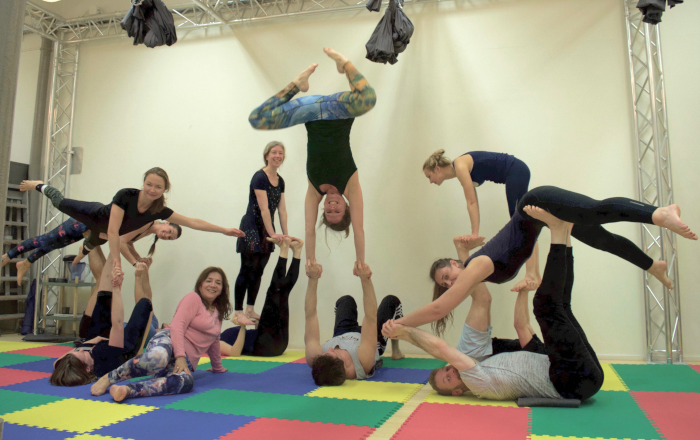 Example of Acro Yoga in Leiden